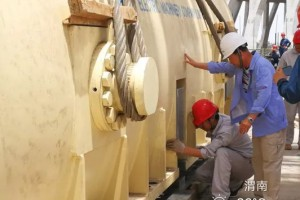 华能渭南热电工程#1.#2 发电机定子全部吊装就位