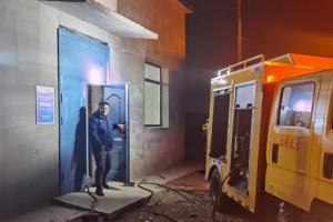 公司自备发电车及时到位 孔家营热力站停电不停热