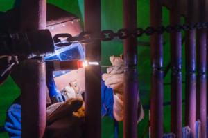 信丰电厂新建工程1号锅炉受热面高空开焊