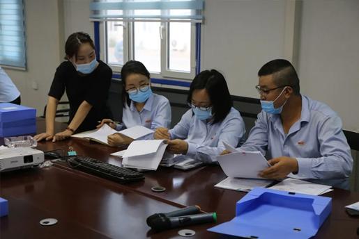 吉木萨尔发电组织对浙江二建工程资料整改情况进行检查