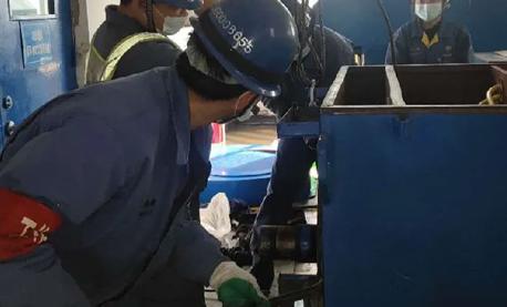 发电三分厂电机班稳步推进着#1机组A级检修工作