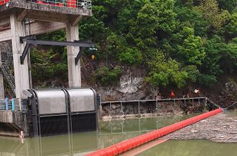 二郎坝公司葫芦头电站发电洞进水口拦污改造项目顺利召开竣工验收会议